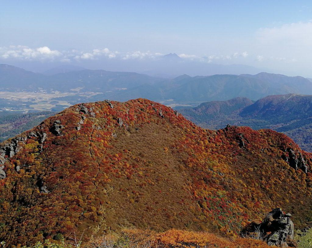 三俣山 紅葉 本峰から